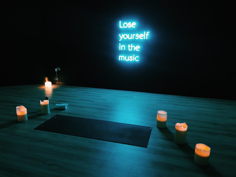 best yoga classes in london- hip hop yoga